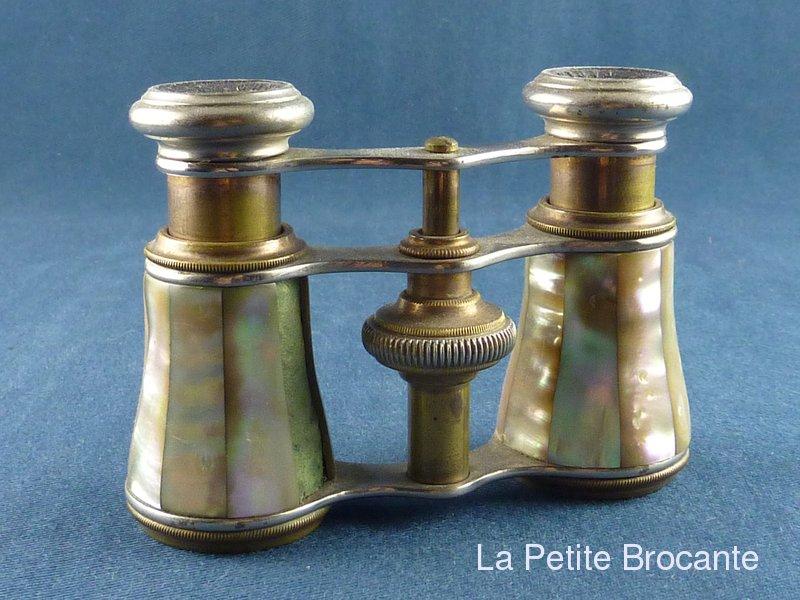 ancienne paire de jumelles de th tre en nacre chevalier paris. Black Bedroom Furniture Sets. Home Design Ideas